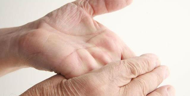 Estalar dedos