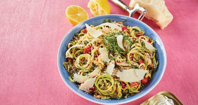 Espaguete de abobrinha com sardinha low carb