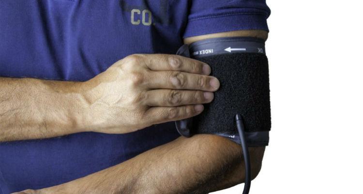 Tirando pressão arterial
