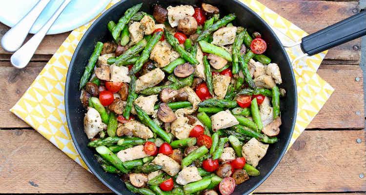 Jantar de frango com legumes