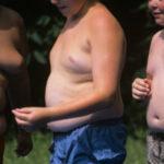 """Obesidade Pode Ser """"Contagiosa"""" Entre Adolescentes, Diz Estudo - Entenda!"""