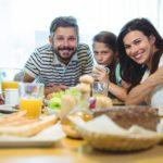 Tomar café da manhã ajuda a queimar mais calorias, afirma estudo