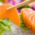 Anisakis (verme do sushi) - Sintomas e o que fazer