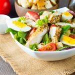 Receita de salada Caesar fácil para emagrecer!