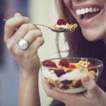 Fuja desses alimentos que mancham os dentes!